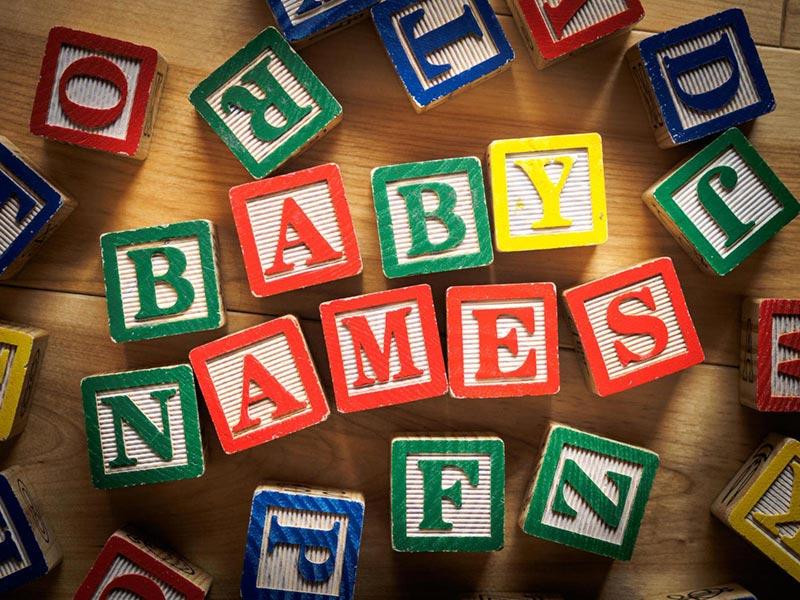 Ce nume ii alegem copilului