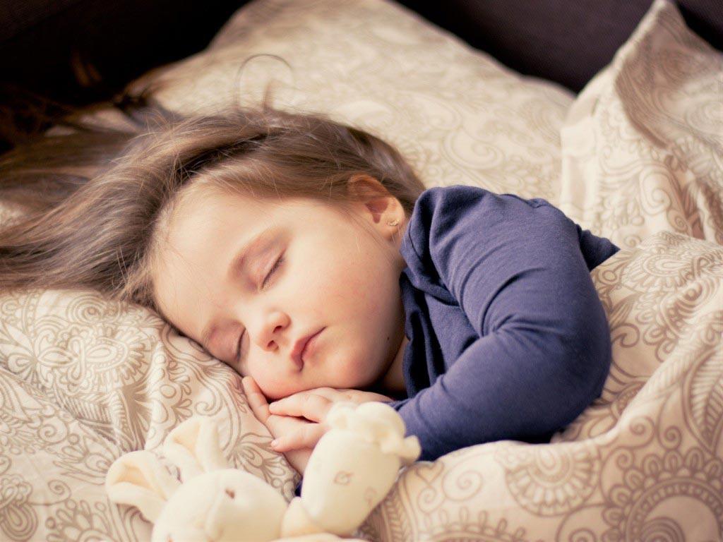 somn bebelusi si copii