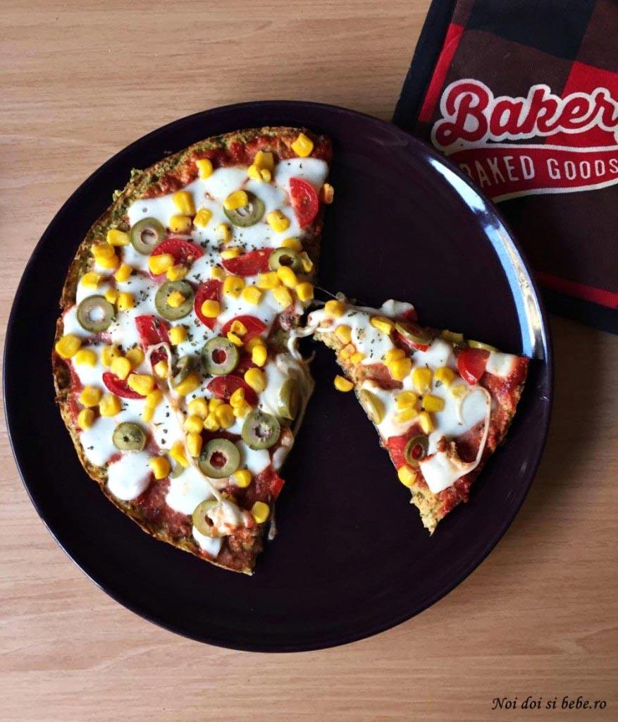 pizza cu blat din dovlecei